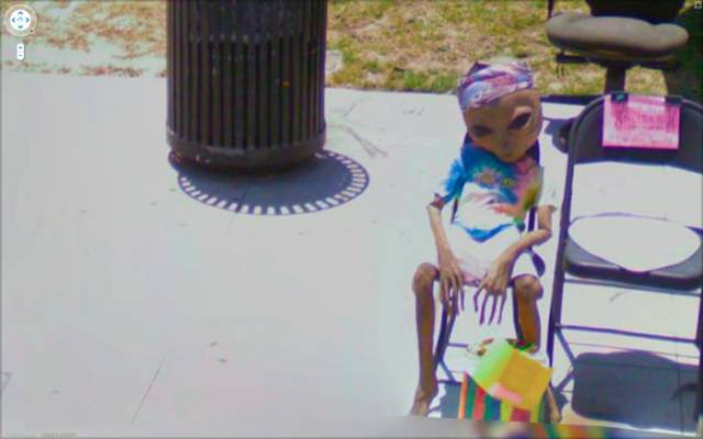 sometimes_google_street_view_catches_some_serious_wtf_moments_640_19